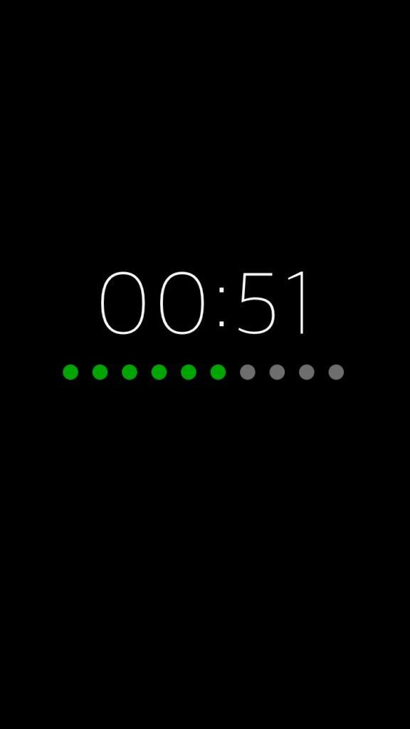 Vettr, visualizza l'orario e lo stato della ricarica quando iPhone è collegato ad una fonte di energia